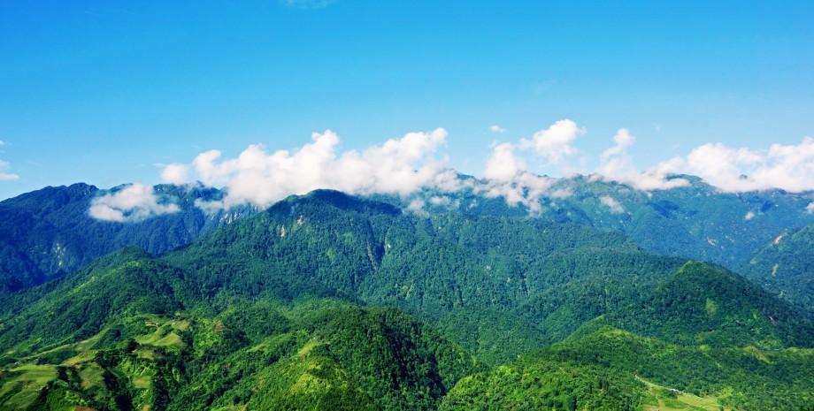 Escapade à la montagne Ta Ku