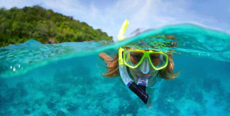 Farniente et snorkeling sur l'île de Corail