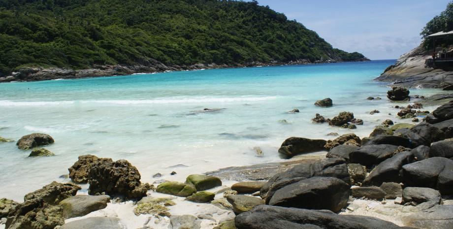 Snorkeling sur l'île de Racha