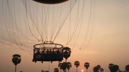 Ballon captif à Angkor