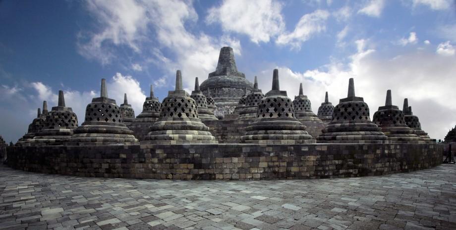 Découverte de Borobudur